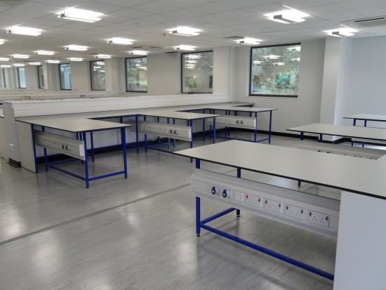 Cleanroom and Lab Tables